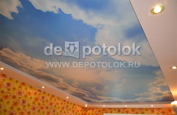 Натягивать потолок нужно до поклейки обоев или после 5